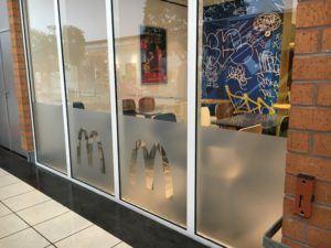 Lettrage vitrine Mcdonald's