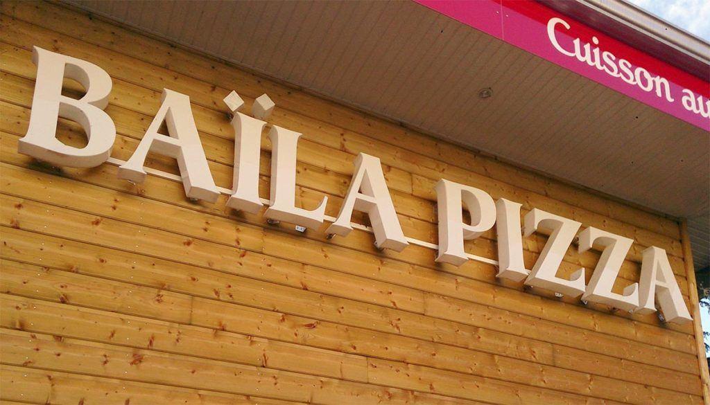 Lettre découpée pour BaÏla pizza