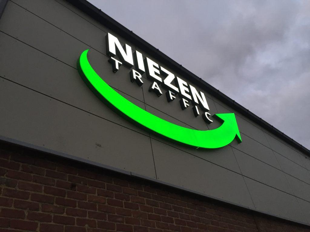 lettre lumineuse - Niezen